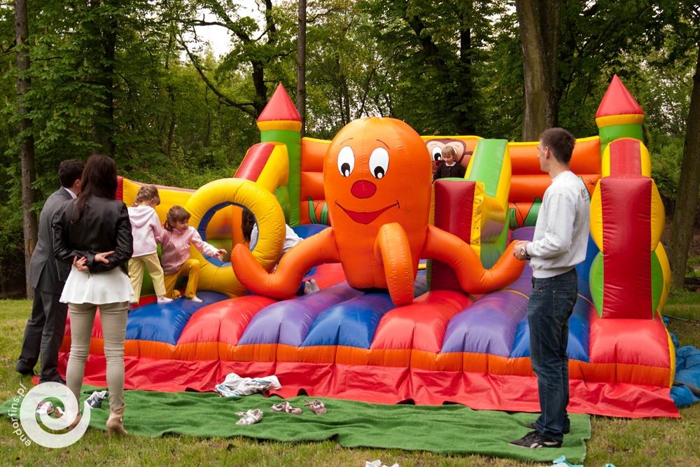 wynajem dmuchanego placu zabaw dla dzieci