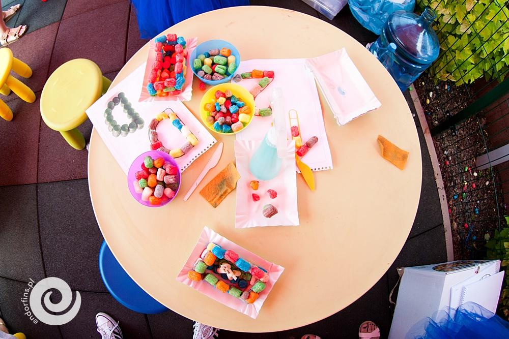 strefa zabaw plastycznych z playmais podczas pikniku firmowego w poznaniu