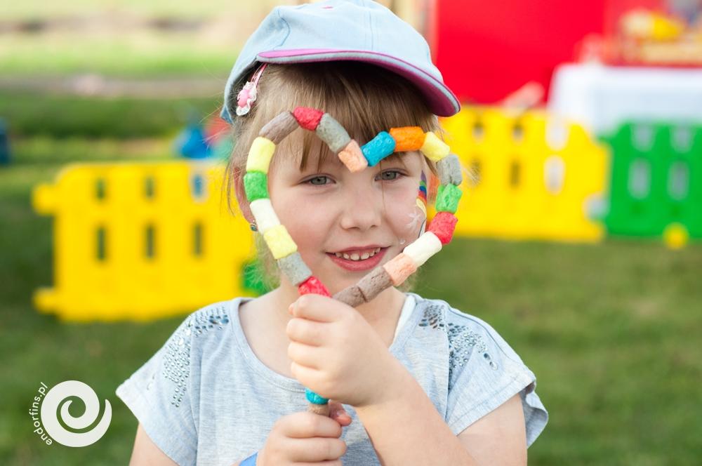 zabawa-kolorowymi-chrupkami-dla-dzieci-poznań-łódź-konin-gniezno