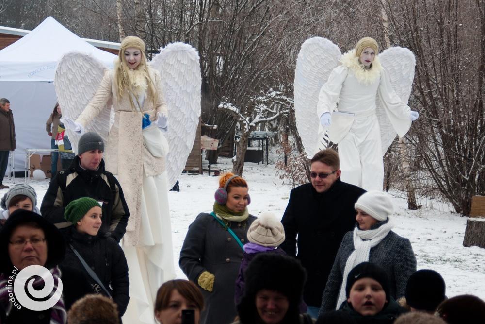 anioły na wesele - szczudlarze