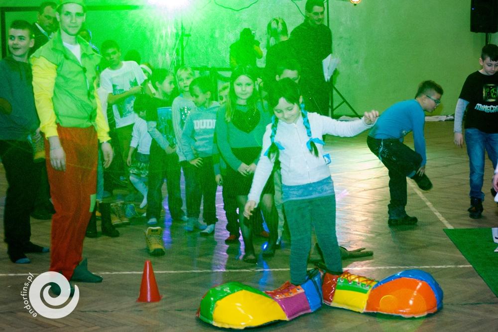 konkursy-dla-dzieci-i-wyścigi-w-wielkich-butach-kacze-buty
